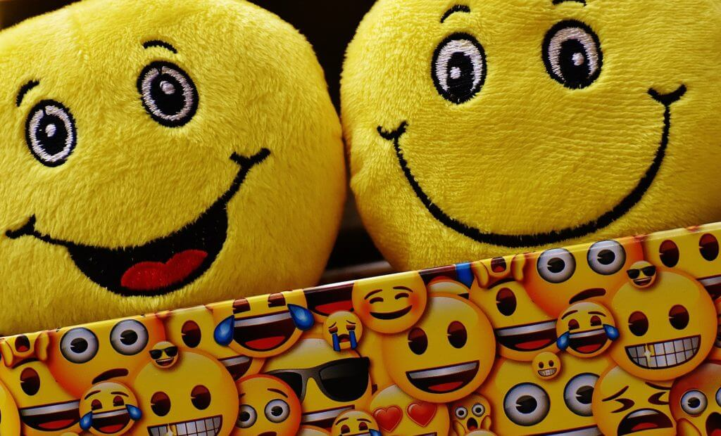 7 Free Emoji App for Android to Shun Tedious Conversations